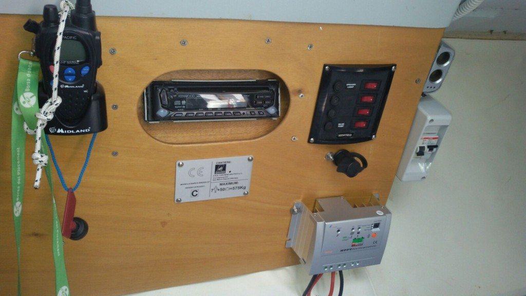 Arsura 2 - vista del pannello elettrico in cabina